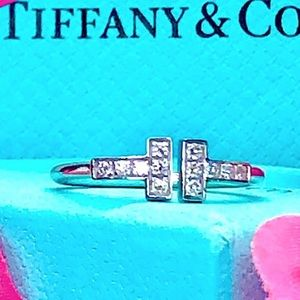 Tiffany & Co T collection wire ring